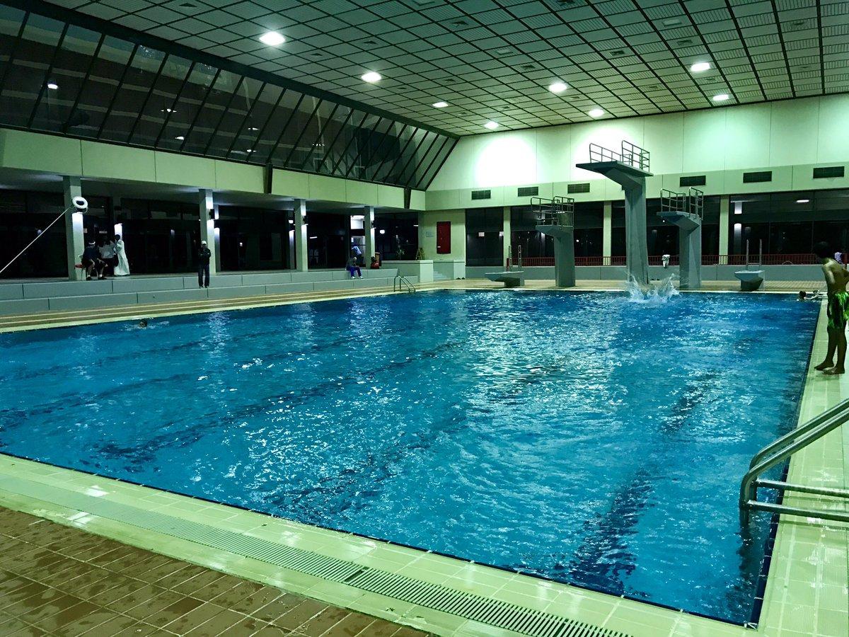 مسبح نادي الرياض