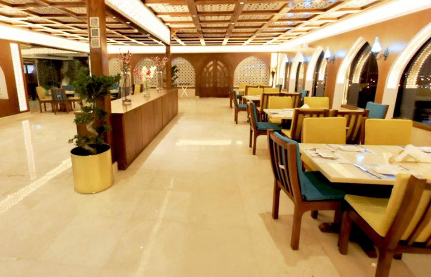 مطعم قمرية بجدة